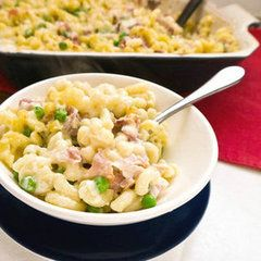 Homemade Macaroni and Cheese With Prosciutto and Peas
