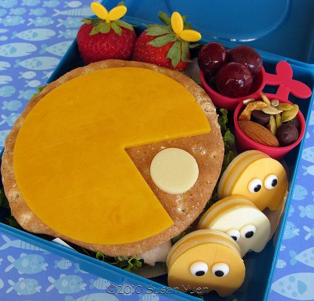 Pac-man Burger Bento Lunch|弁当