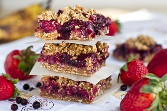 Triple Almond Cherry Crumble Squares @OhSheGlows