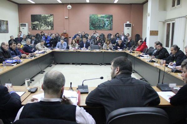 Δημοτικό Συμβούλιο Νάουσας: Ένταση για τον αποχιονισμό (video)
