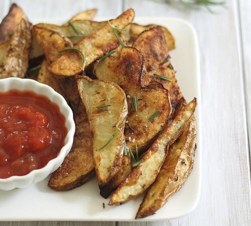 Crispy Rosemary Baked Fries