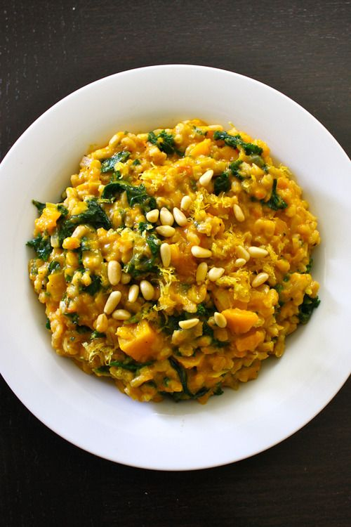 Baked barley risotto with butternut squash and spinach - Vegenista.