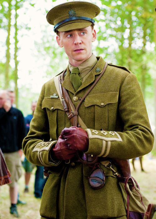 Tom hiddleston war horse