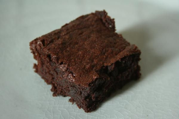 Delicious green cardamom brownies   L&S   Pinterest