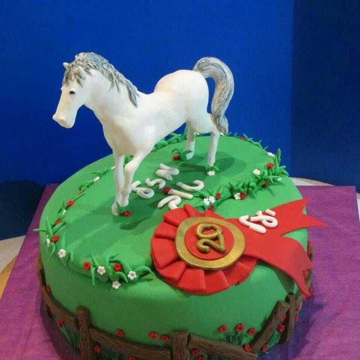 horses fondant cakes