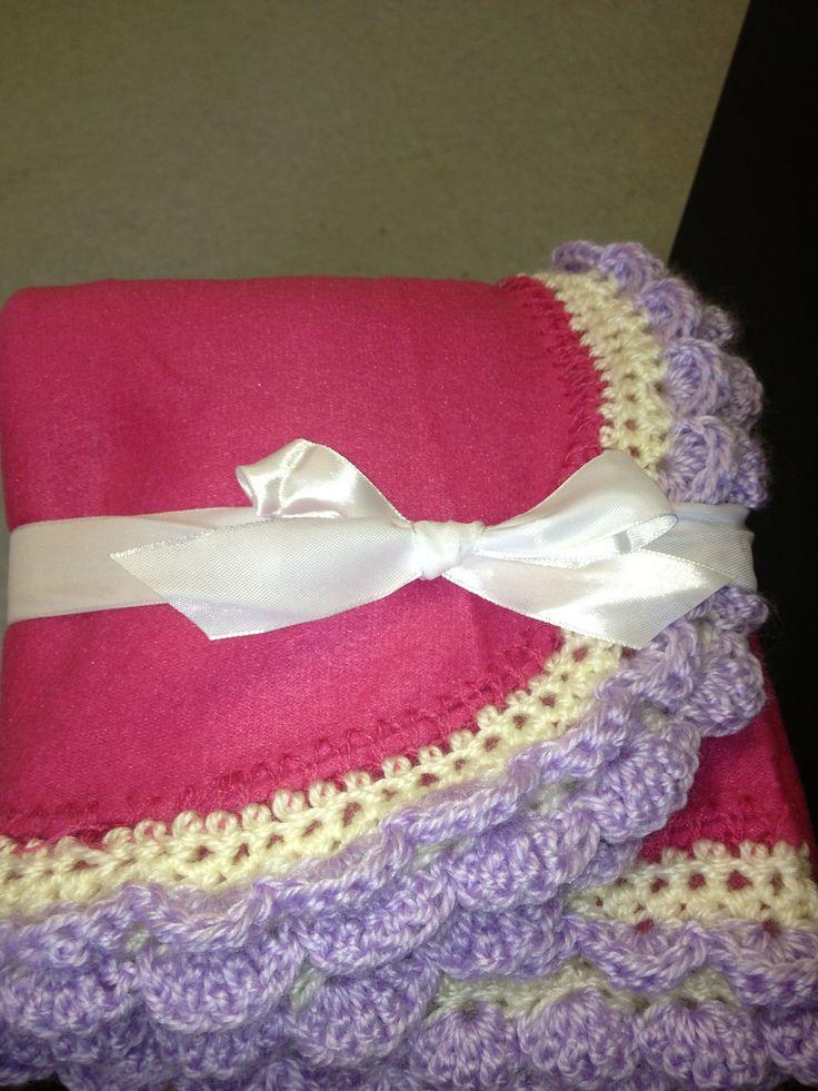 Crocheting Edging On Fleece : Fleece blanket with crochet edging Craft Ideas Pinterest