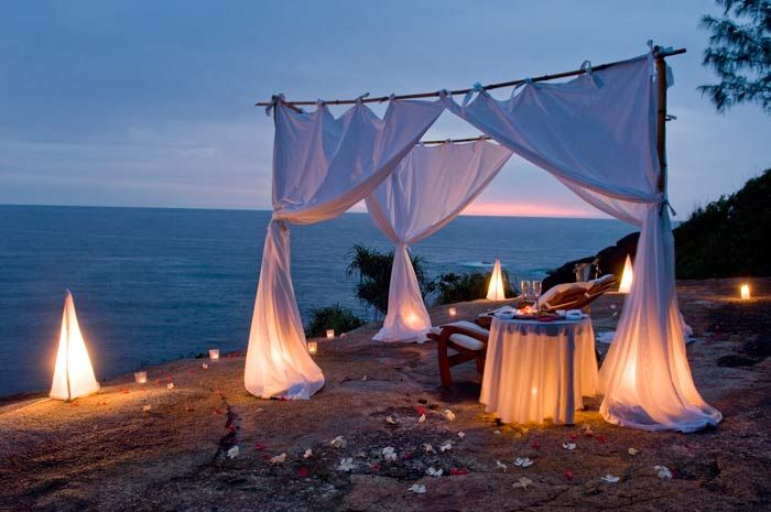Romantic Dinner On The Beach Gypsies Tramps Thieves