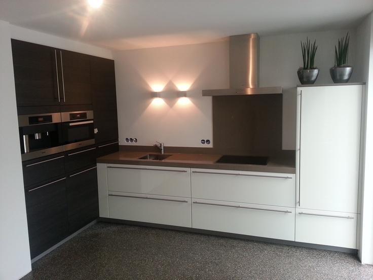 Keuken Kastenwand Met Nis : met robust werkblad en zwarteiken kastenwand in bouwkundige nis ? in