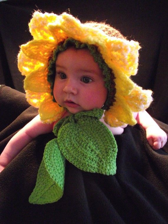 Sunflower Crochet Baby Hat Pattern : Baby Sunflower hat with two leaves. Crochet Pinterest