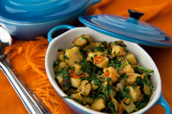 Palak aloo, my homestyle recipe for spinach with potatoes flavored ...