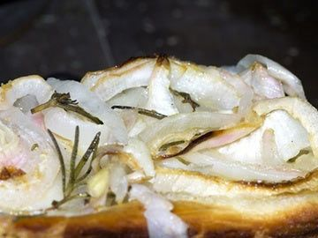 Rosemary and Sweet Onion Focaccia | Diet.com Recipes | Pinterest
