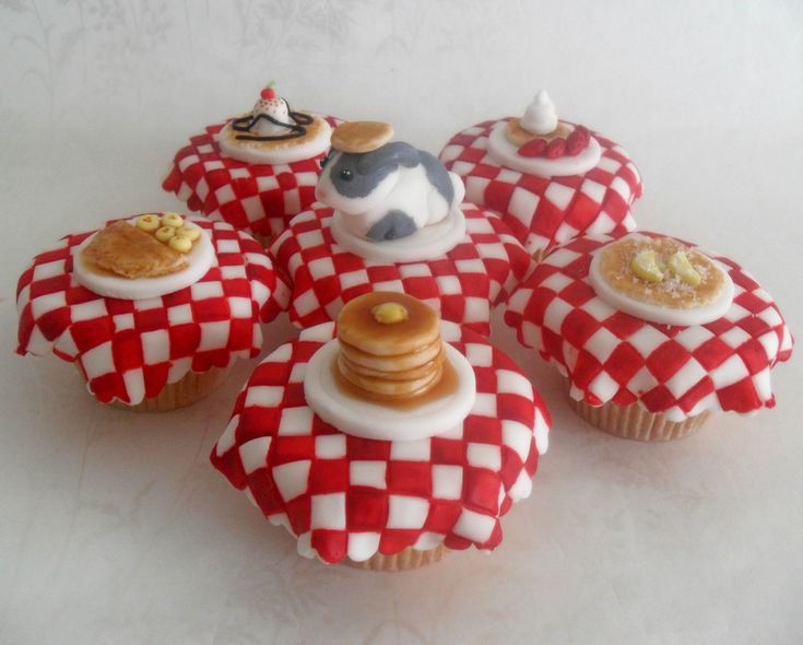 Breakfast themed cupcakes.   CupCakes... For Kids   Pinterest