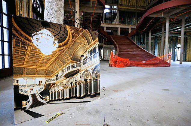 Five Real Estate Follies, Now Reaching Their Inevitable End: Versailles estate in Florida
