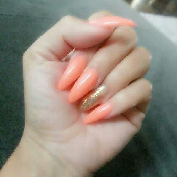 Stiletto nails. Peach and gold. | Stiletto nails | Pinterest