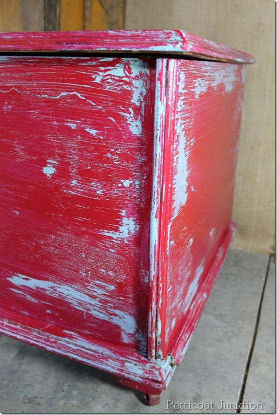 Paint Technique for Cherry Red and Turquoise Distressed