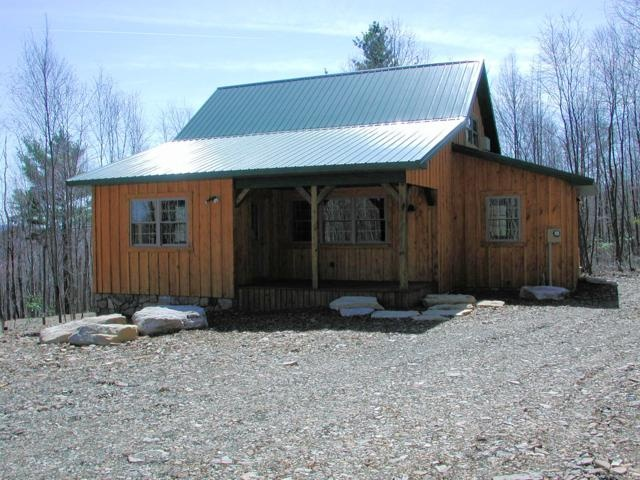 Cabin with metal roof cabins and lodges pinterest Cabins with metal roofs