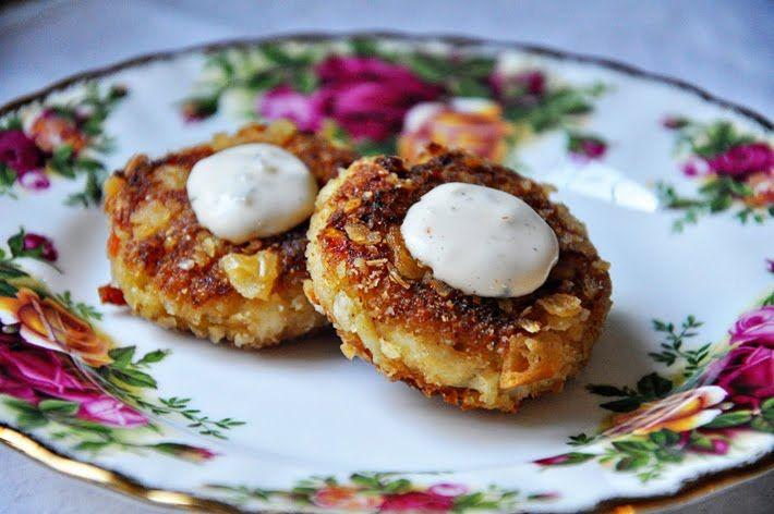 the parsley thief: Mini Crab Cakes | Looks Yummy--recipes ...