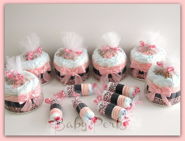 Mini diaper cakes table decorations baby shower for Baby diaper decoration ideas