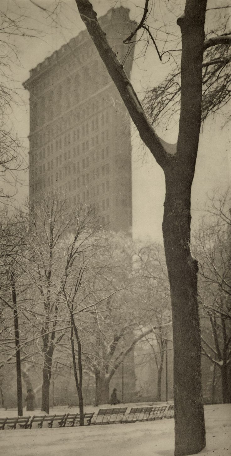 1903 ('The Flat Iron' - Alfred Stieglitz)