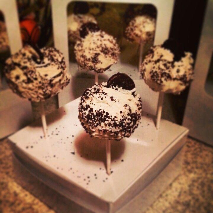 Cookies & Cream Cheesecake Pop #cakepops #dessert #cheesecake # ...