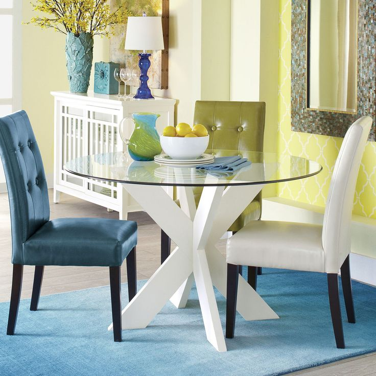 fun color blocking in this dining area!