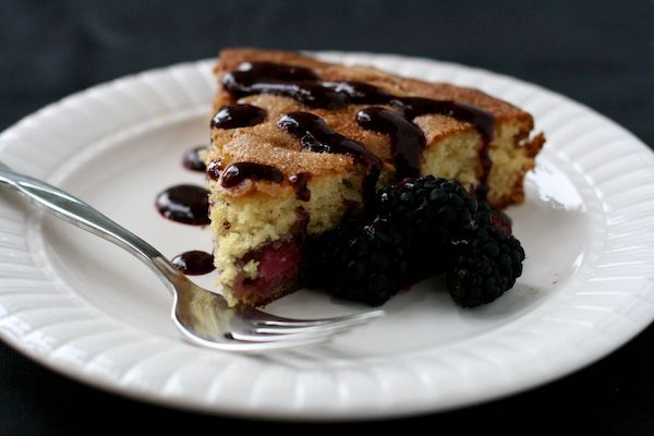 The Merry Gourmet blackberry buttermilk cake with blackberry compote ...