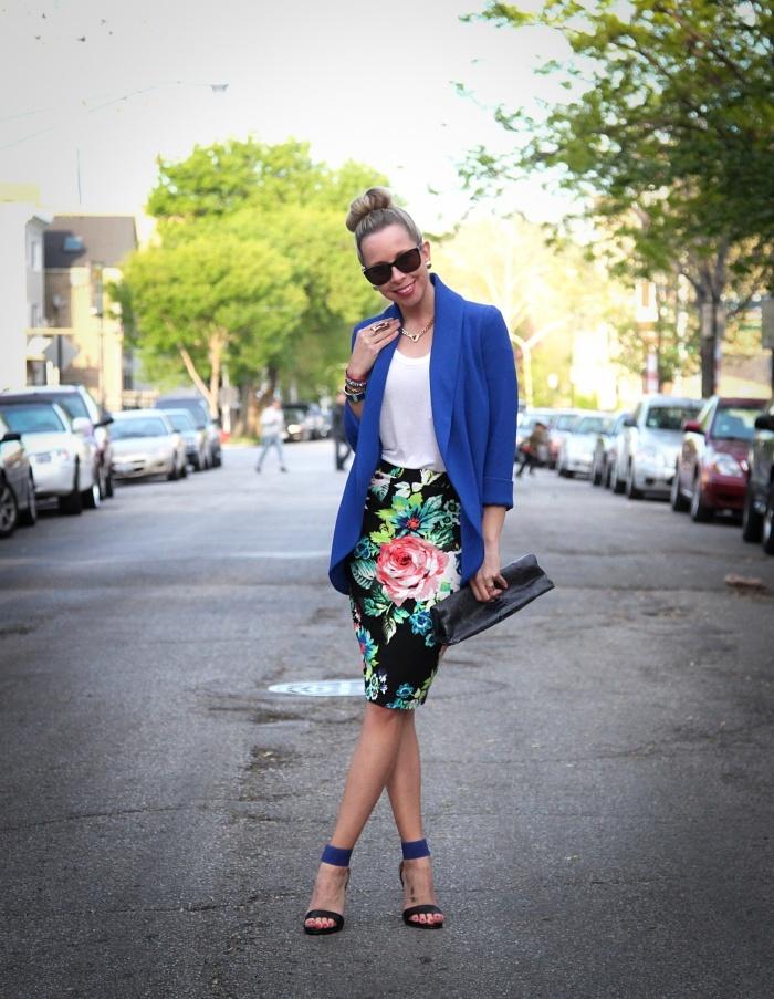 lovin the blue blazer and floral skirt