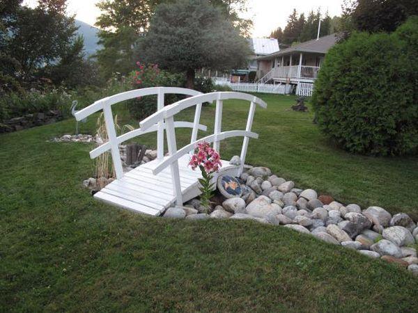 13 Designs of small bridges in garden Garden bridges