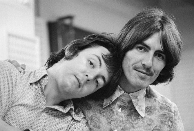 Paul McCartney and George Harrison | McCartney | Pinterest George En Paul
