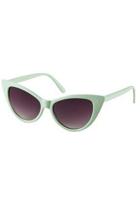 {exaggerated cat eye sunglasses} {mint!}