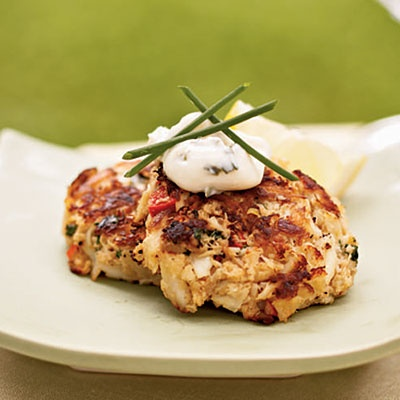 Mini Crab Cakes with Herbed Aioli | Pracideas | Pinterest