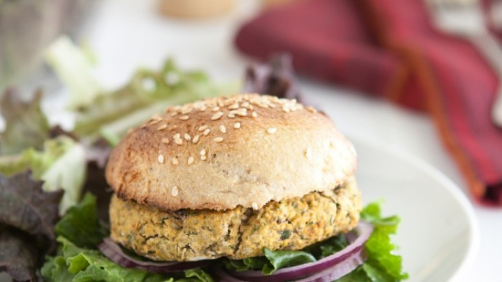 Chickpea and Spinach Burgers. Viable alternative to black bean burgers
