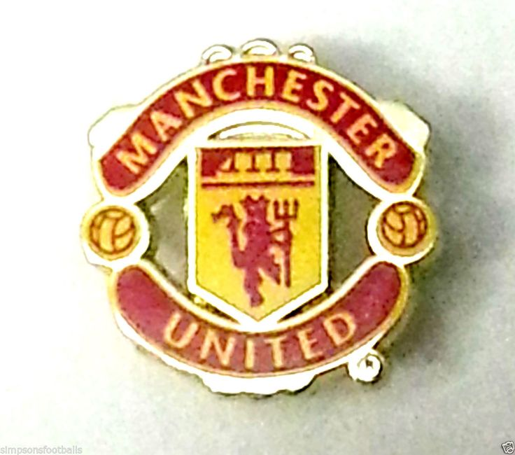 manchester united badge cake