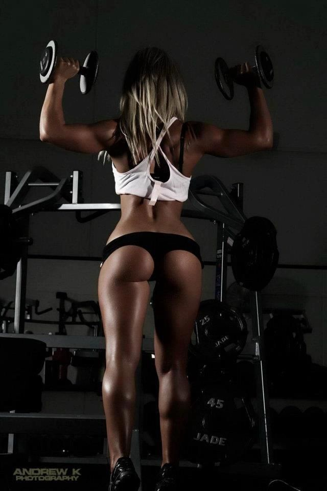 She has an amazing body. Great arms, fantastic legs and great butt ♥I want to look like this!!!!!!!