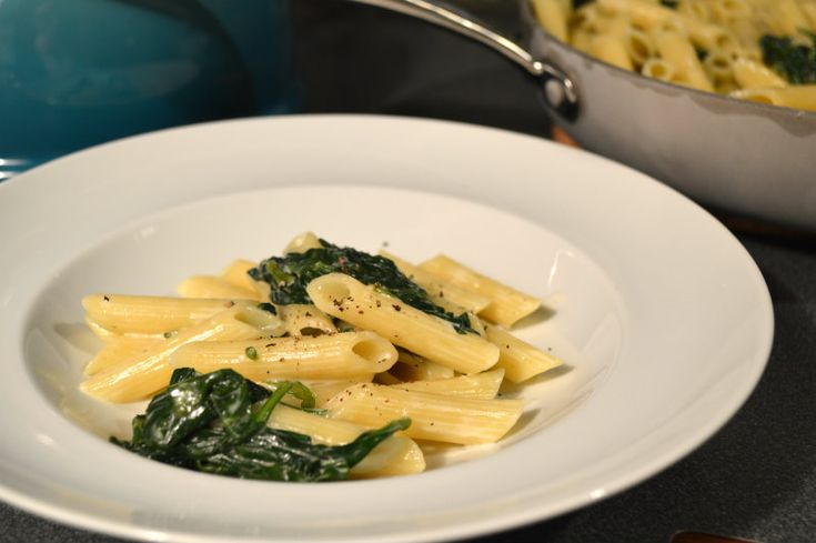 penne with spinach and rosemary gorgonzola cream