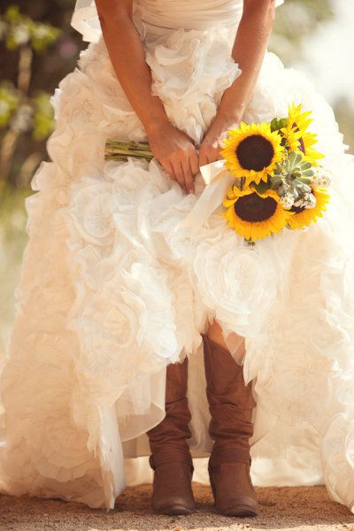 <3 sunflowers and cowgirl boots :)