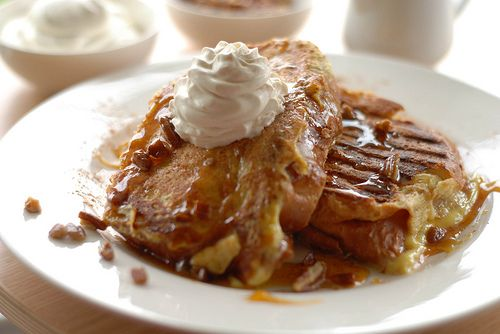 Banana Stuffed French Toast. This looks so yummy. Great brunch menu ...