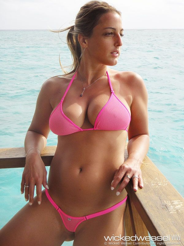 Bikini contributor en hawaii language lisa weasel wicked