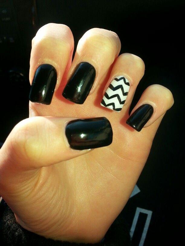Zig-zag Nail design | nail design | Pinterest