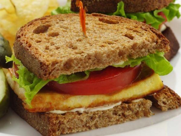 TLT (Tofu, Lettuce & Tomato Sandwich) | KitchenDaily.com