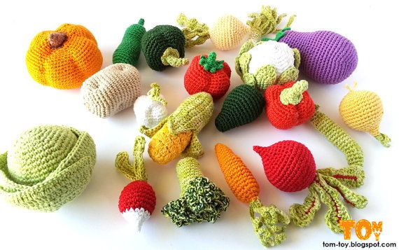Crocheting Vegetables : Crochet vegetables- set of 5, play food/ home decor
