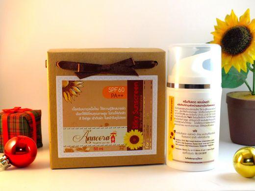 Silky Sunscreen SPF60 PA++ ครีมกันแดด สูตรเนื้อบางเบา ไม่เหนียวเหนอะหนะ - ANNCORA ผลิตภัณฑ์เวชสำอาง เกรดเดียวกับที่ส่งโรงพยาบาล คลินิกชั้นนำ มีเลขจดแจ้ง อ.ย.  ราคาโรงงาน : Inspired by LnwShop.com