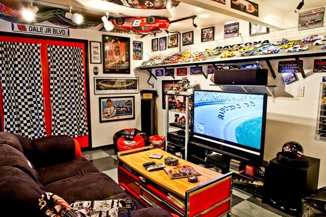 Car themed room race car room pinterest for Man cave bedroom designs