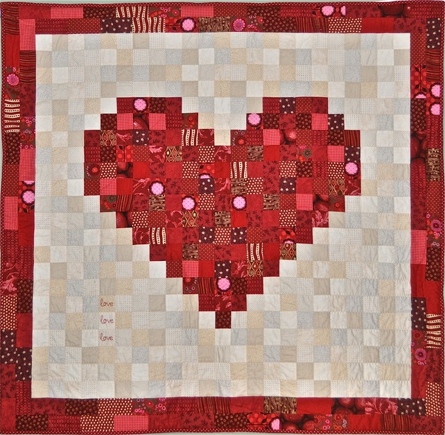 Hand Quilting Heart Patterns : Hand-Made Patchwork Heart Quilt