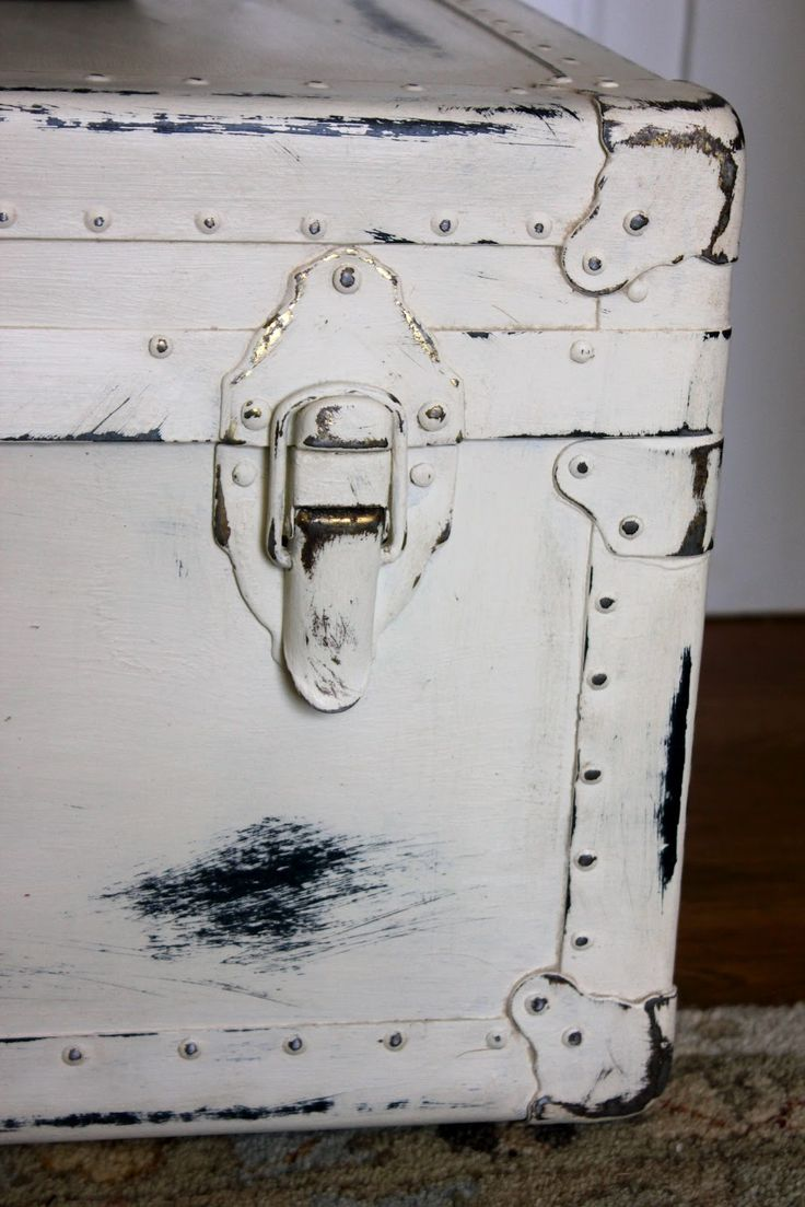 Pin by jackie o 39 dell on old trunks steamer trunks - How to paint an old trunk ...