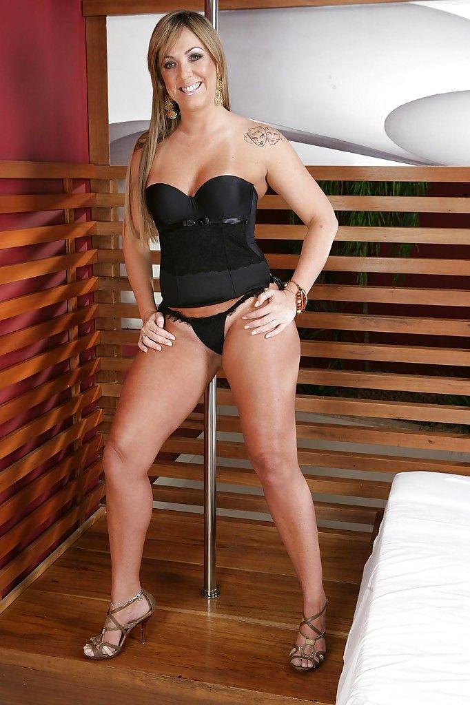 Atriz porno alessandra maia sexy.. need