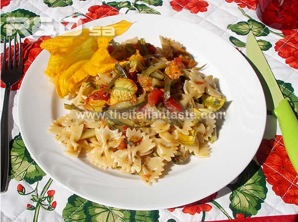 (farfalle) combined with zucchini sauce, the photo shows farfalle ...