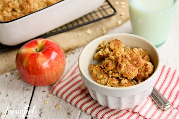 Overnight Baked Apple Oatmeal with Crunchy Brown Sugar Streusel - www ...