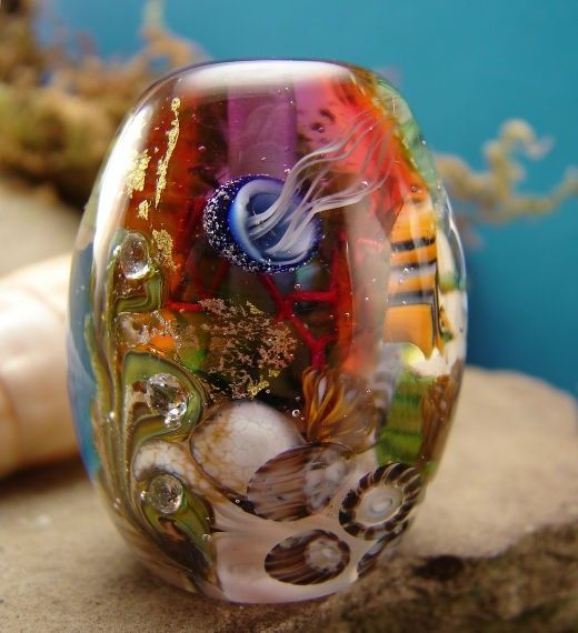 jellyfish aquarium lampwork bead handmade glass by Marylockwood.com - has a list of free tutorials