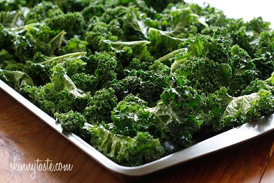 Baked Parmesan Kale Chips Everyone is talking about it. Why not give ...